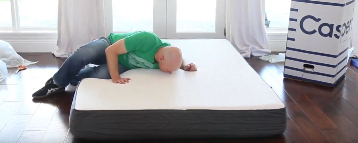 Giving a Casper mattress a smell test